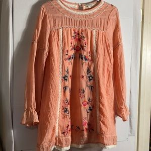 UMGEE LINEN TUNIC WITH EMBROIDERED DETAILS